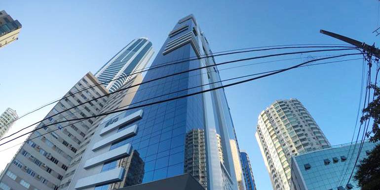 edificio-sky-tower-balneario-camboriu-fma429-1