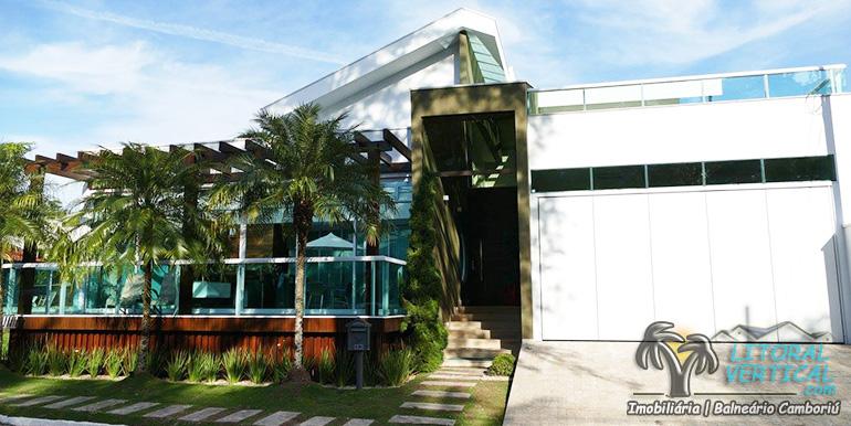 Casa no Condomínio Villa Rica